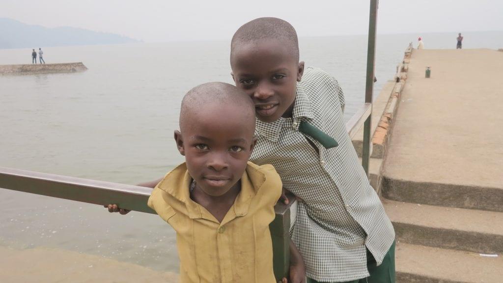 Kinder in Rubavu am Lake Kivu un Ruanda