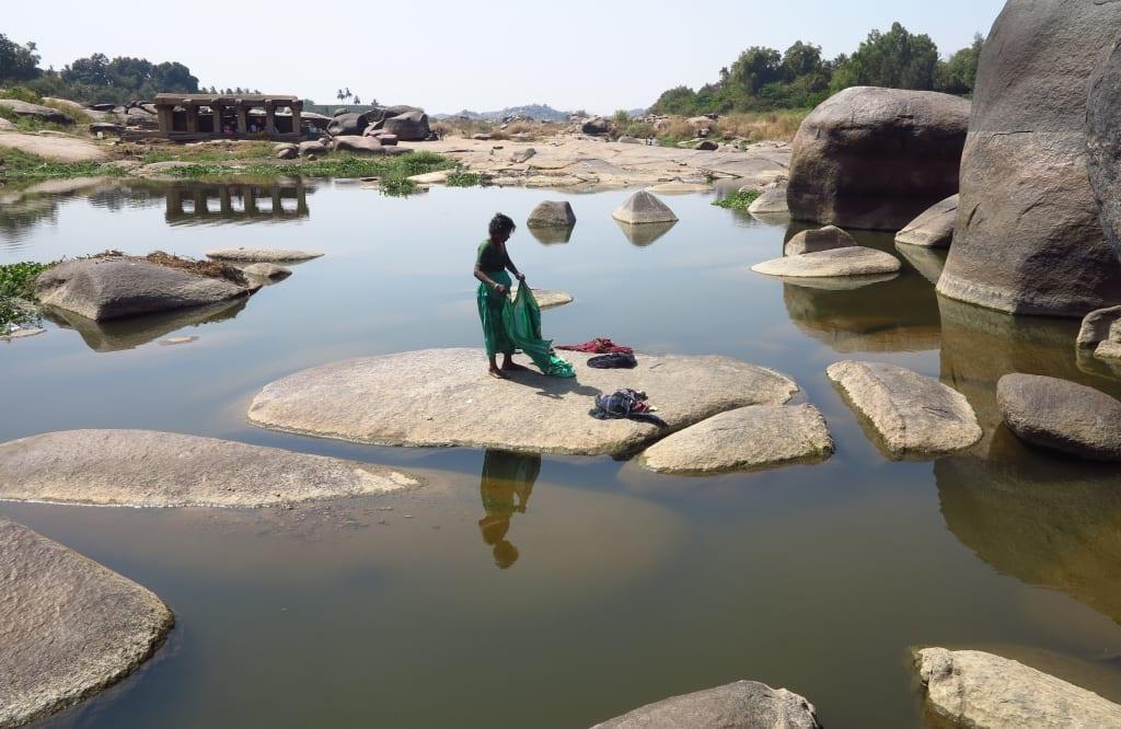 Fluss in Hampi in Indien