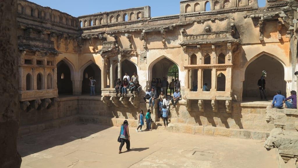 Bad der Königinnen in Hampi in Indien
